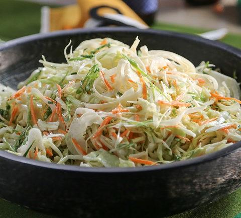 Классический коул слоу - капустный салат