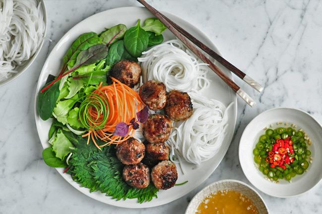Бун Ча - вьетнамские котлеты из свинины
