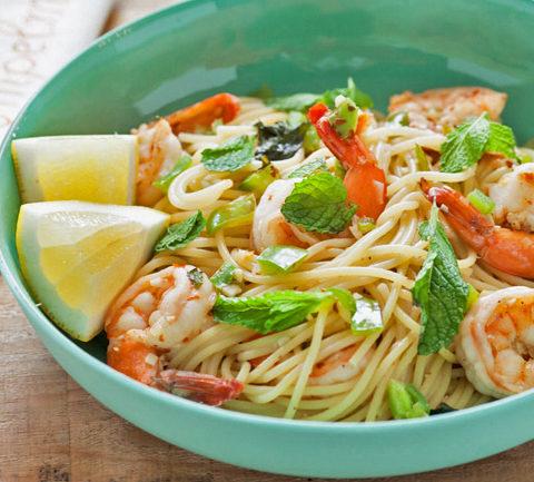 Спагетти с острыми креветками