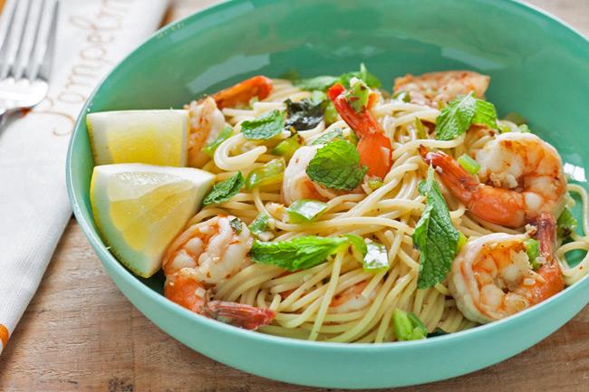 Острые креветки со спагетти