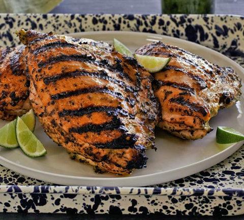 Запеченные куриные грудки по-карибски