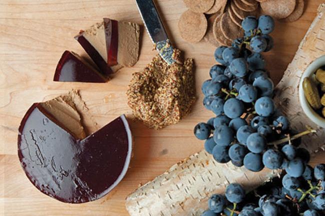 Паштет из гусиной печени с виноградным желе