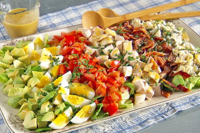 Классический Кобб салат