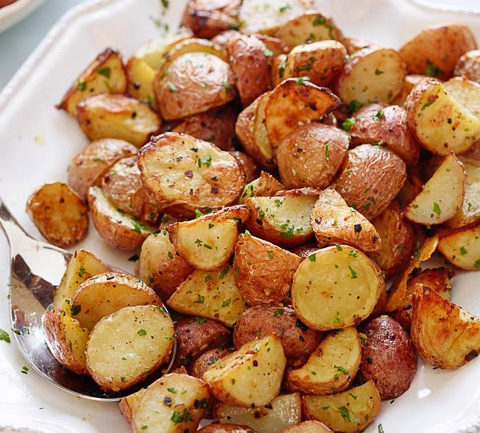Запеченный картофель с чесноком