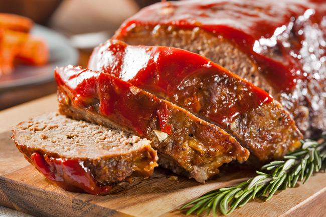Мясная запеканка с томатным соусом