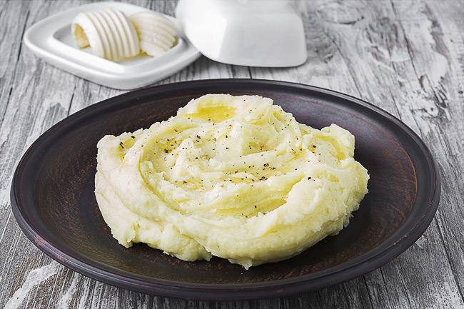 Картофельное пюре с чесноком и пармезаном