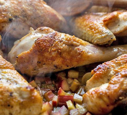 Жареная курица с ревенем