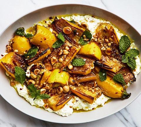 Кабачок в маринаде с орехами и сыром